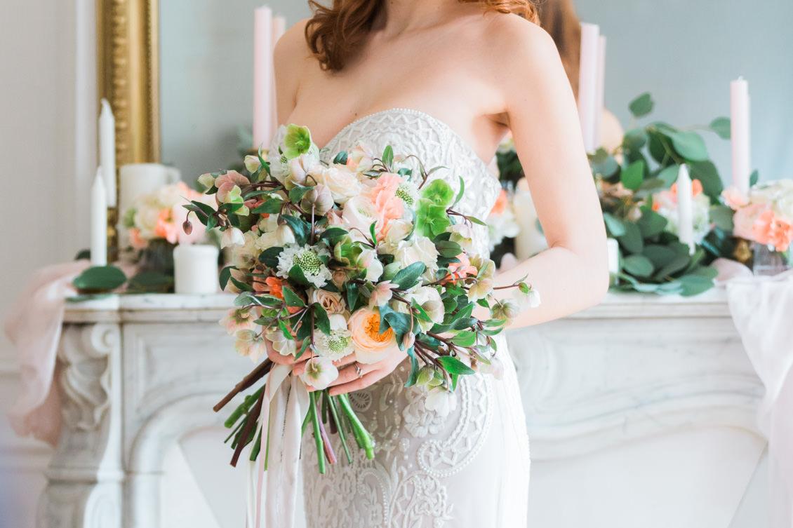 fine-art-bridal-portrait-paris-bouquet-fleurs-de-pauline