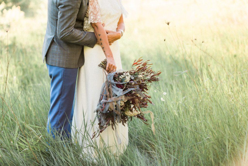 Photographe basé à Reims, je suis spécialisé dans le reportage mariage, la photographie de couple et de famille.